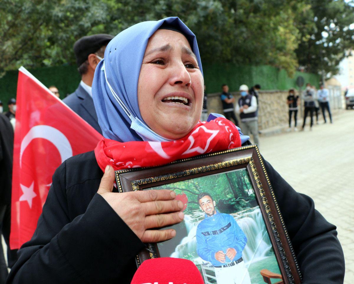 Van da evlat nöbetindeki anne: Anneler kazanacak, HDP yerin dibine girecek #4