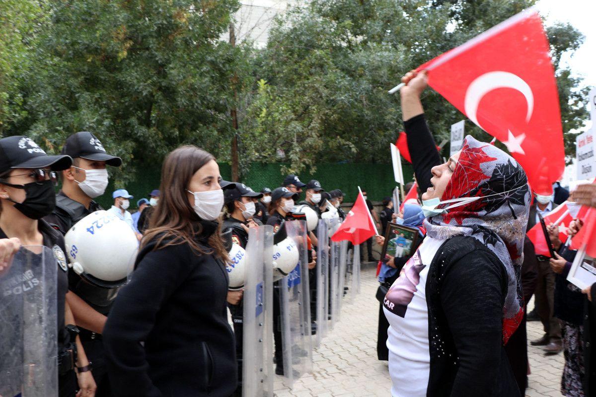 Van da evlat nöbetindeki anne: Anneler kazanacak, HDP yerin dibine girecek #2