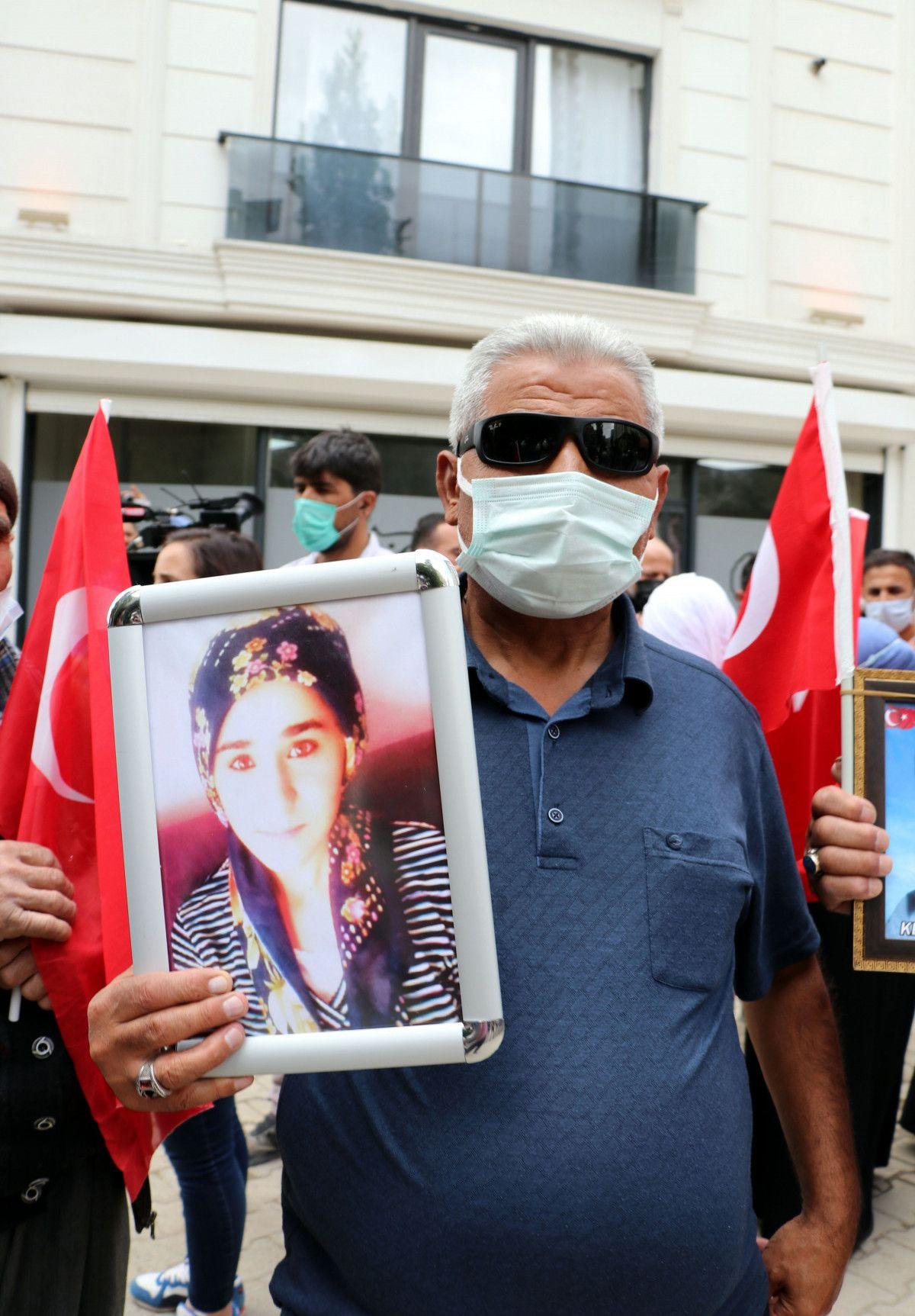 Van da evlat nöbetindeki anne: Anneler kazanacak, HDP yerin dibine girecek #10