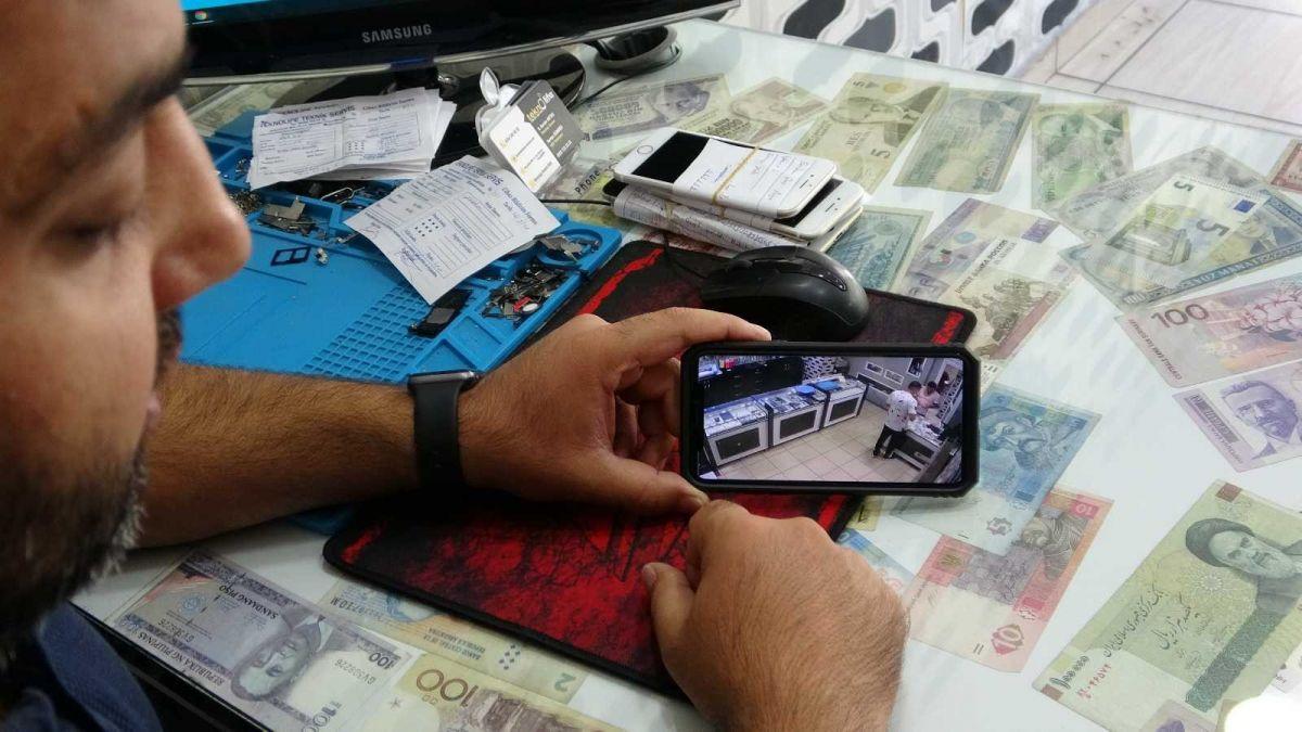 Mersin'de bir hırsız, bozuk telefonu çaldı #6