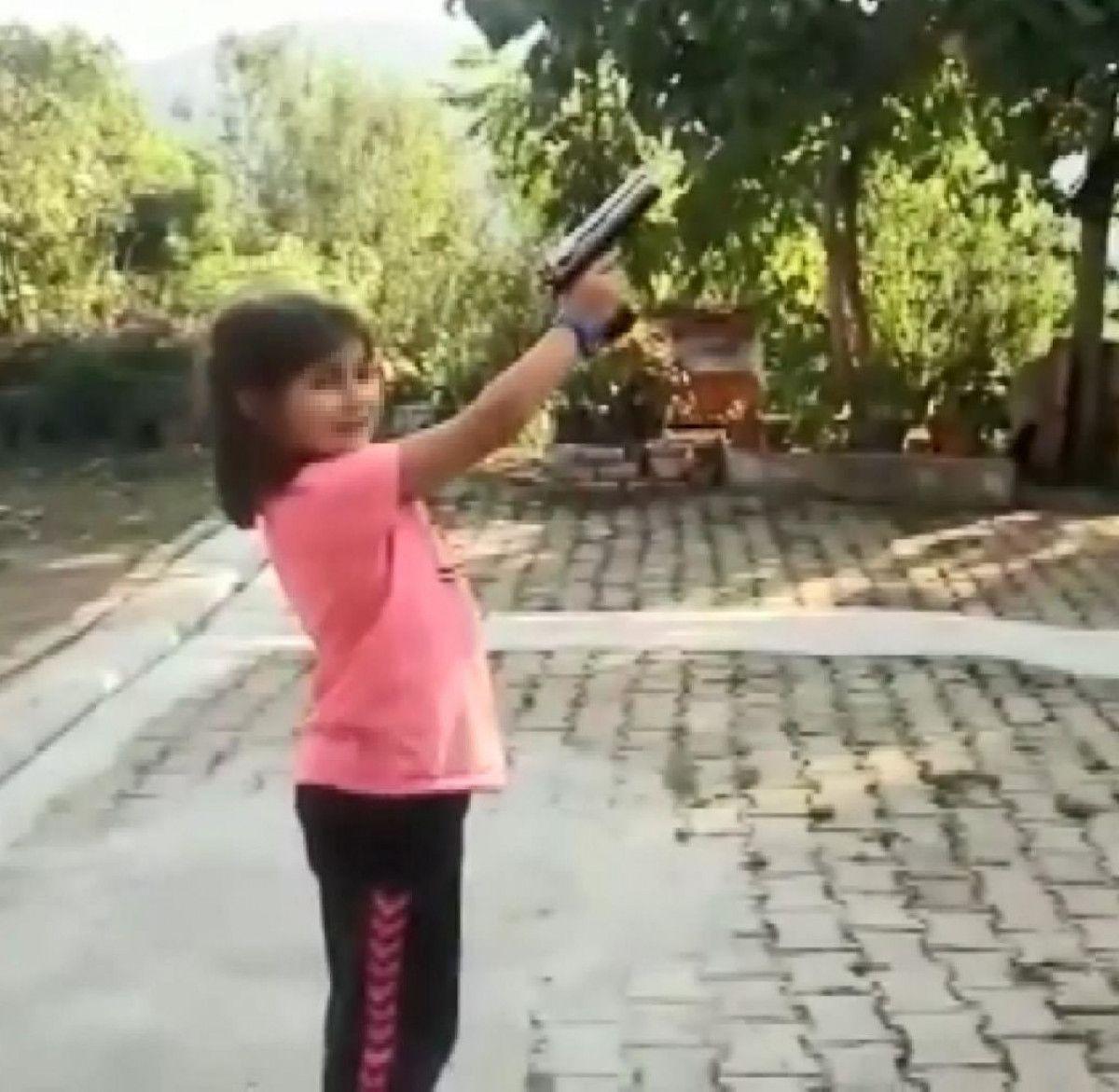 Rize de yeğenine tabanca veren amca vurulmaktan son anda kurtuldu #3