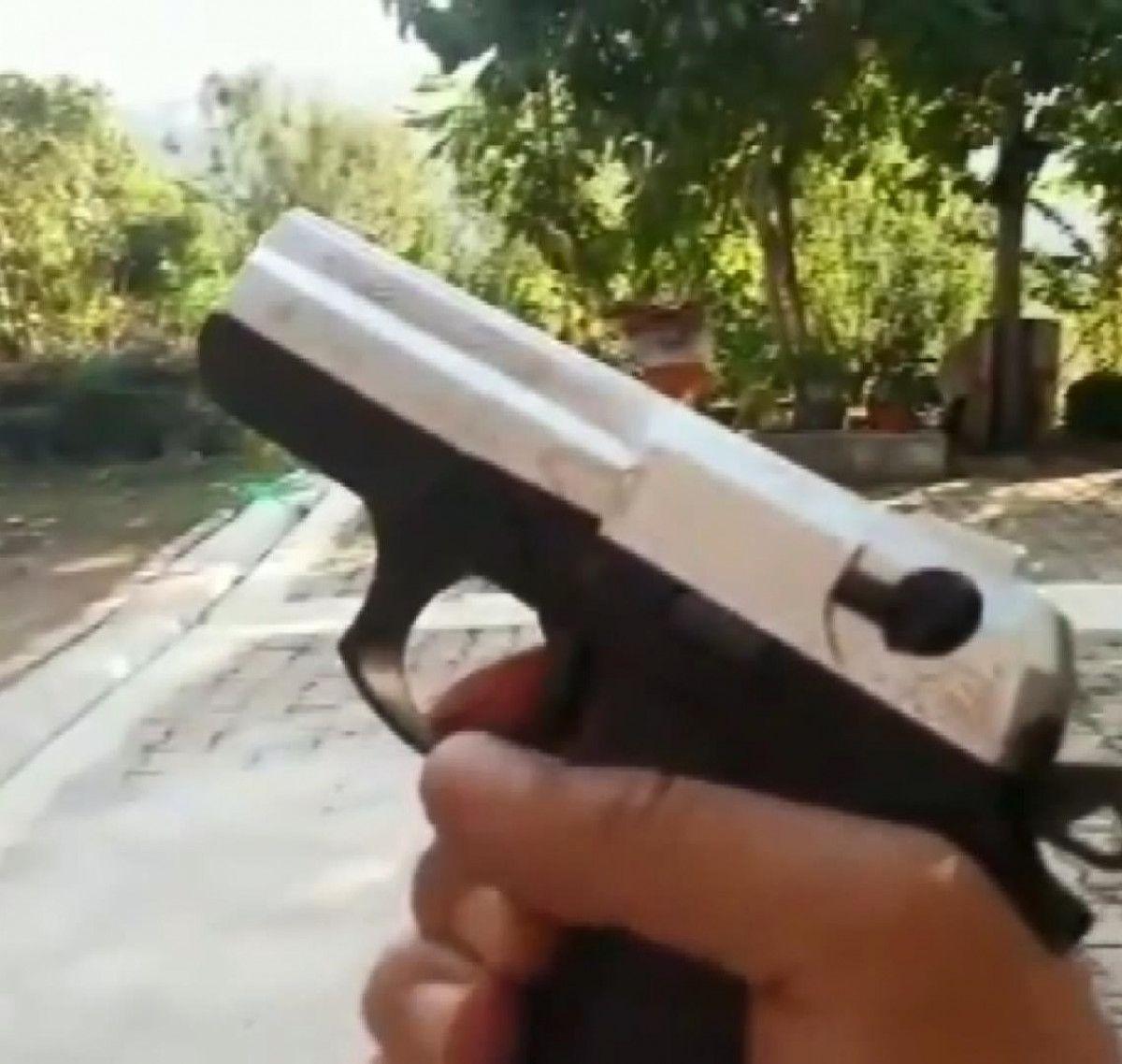 Rize de yeğenine tabanca veren amca vurulmaktan son anda kurtuldu #4