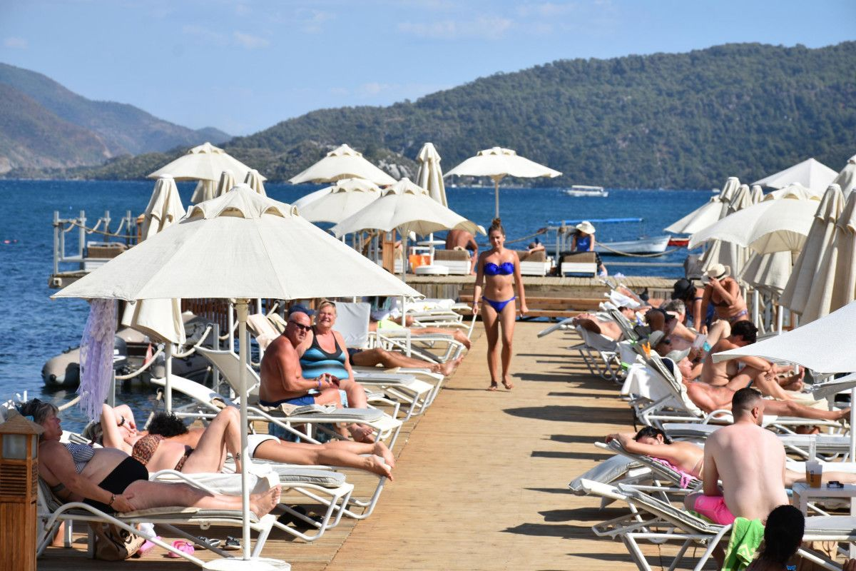 Türkiye ye seyahat yasağının kalkması sonrası İngiliz turist sayısında rekor artış #2
