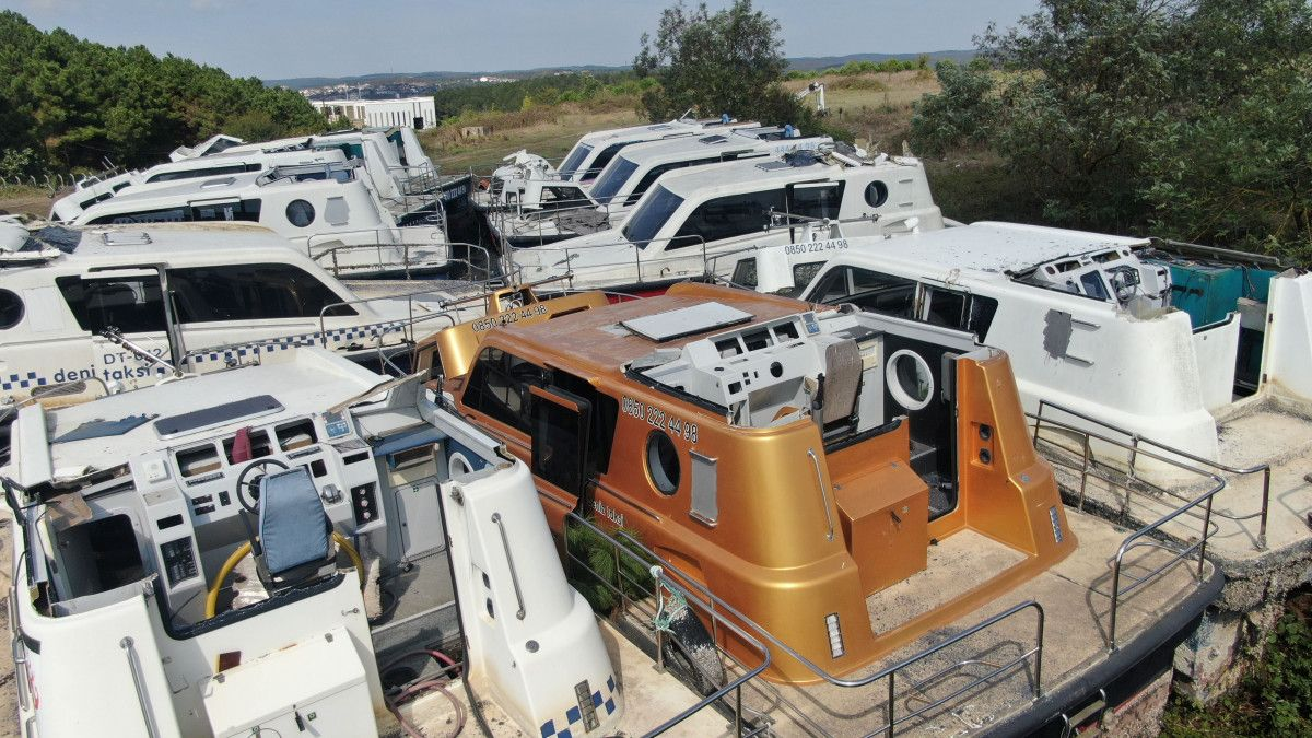Yeni deniz taksileri suya inerken, eskileri kaderine terk edildi #4