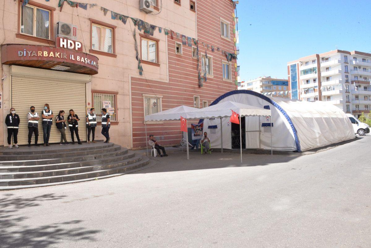 Diyarbakır da evlat nöbetindeki anne: İki evlat acısıçekiyorum #9