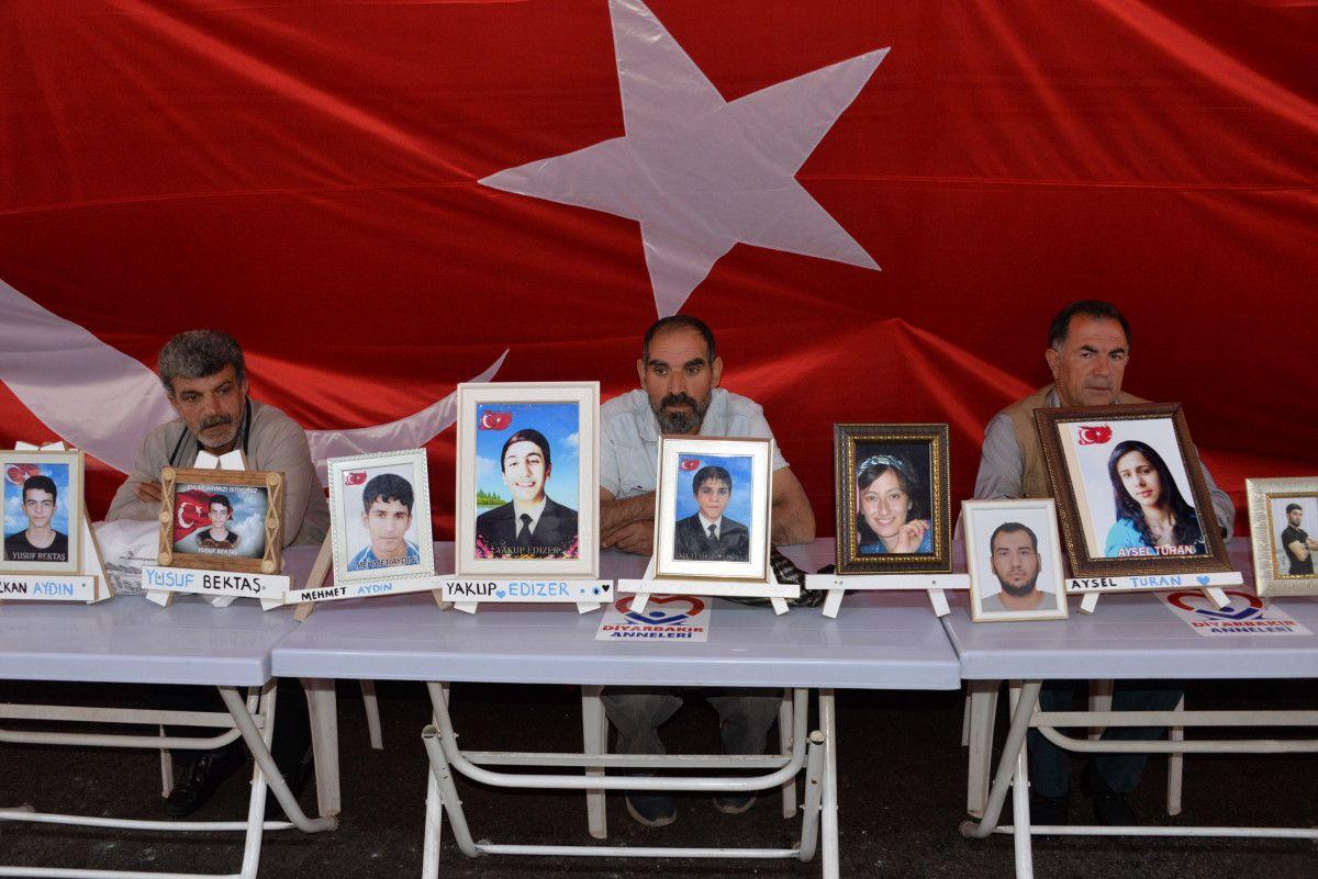 Diyarbakır da evlat nöbetindeki anne: İki evlat acısıçekiyorum #7