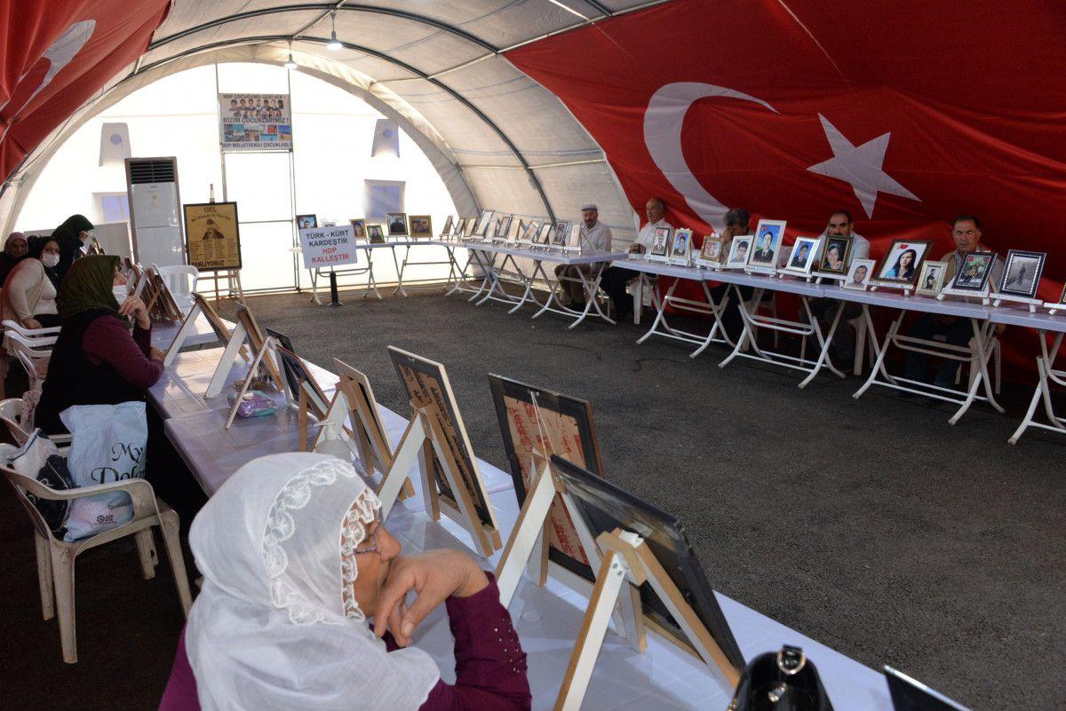 Diyarbakır da evlat nöbetindeki anne: İki evlat acısıçekiyorum #1