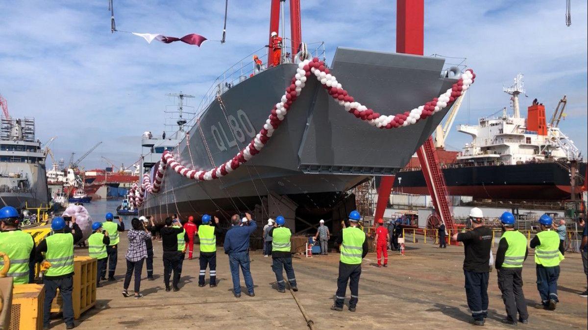 Yerli imkanlarla üretilen çıkarma gemisi, Tuzla'da denize indirildi #1