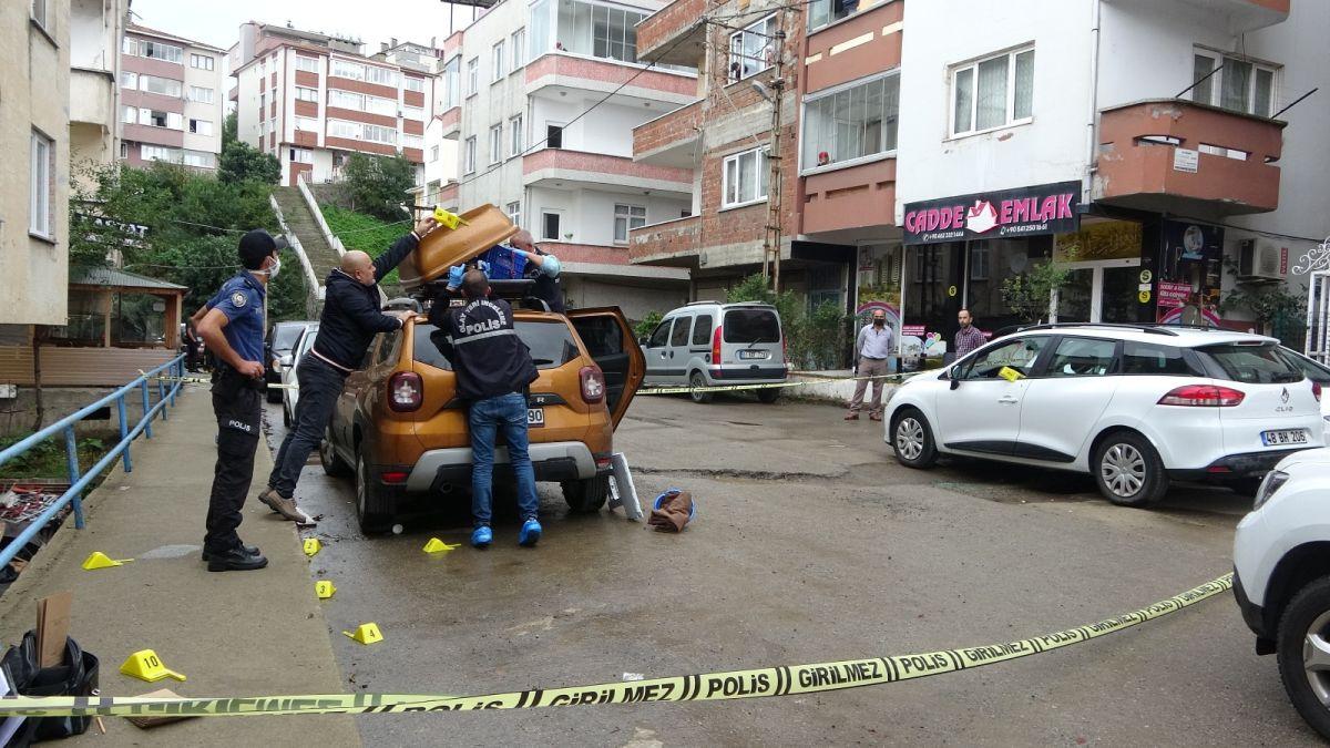 Trabzon da kavgayı ayırmaya çalışan kişi, kurşunun hedefi oldu #6