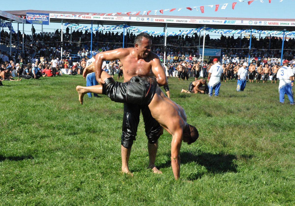 Mevlüt Çavuşoğlu, Manisa da yağlı güreş programına katıldı #6
