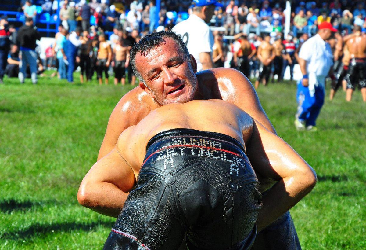 Mevlüt Çavuşoğlu, Manisa da yağlı güreş programına katıldı #7