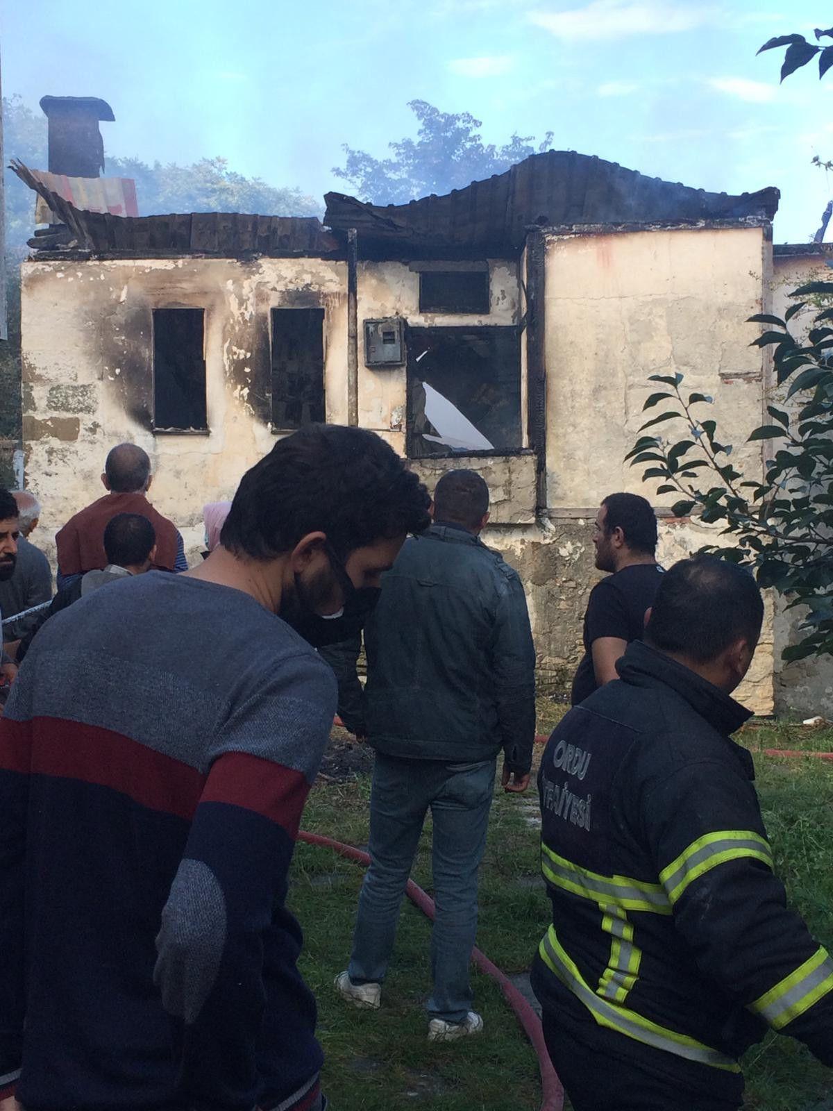 Ordu da yalnız yaşayan 83 yaşındaki kadın, yangında öldü #3