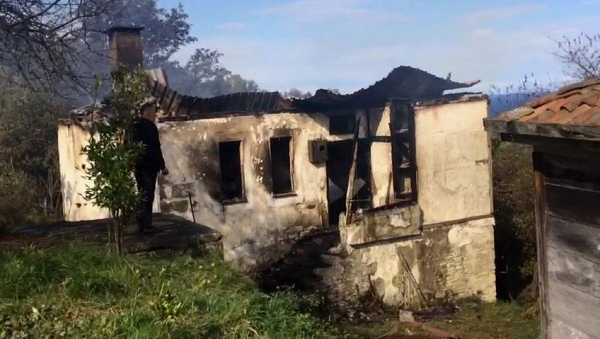 Ordu da yalnız yaşayan 83 yaşındaki kadın, yangında öldü #2