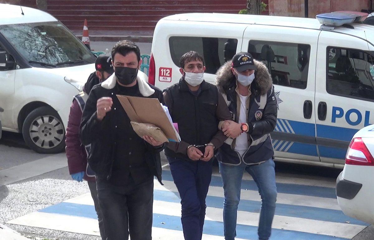 Erzurum da gözü dönen şahıs, kızını 24 bıçak darbesiyle yaraladı #1