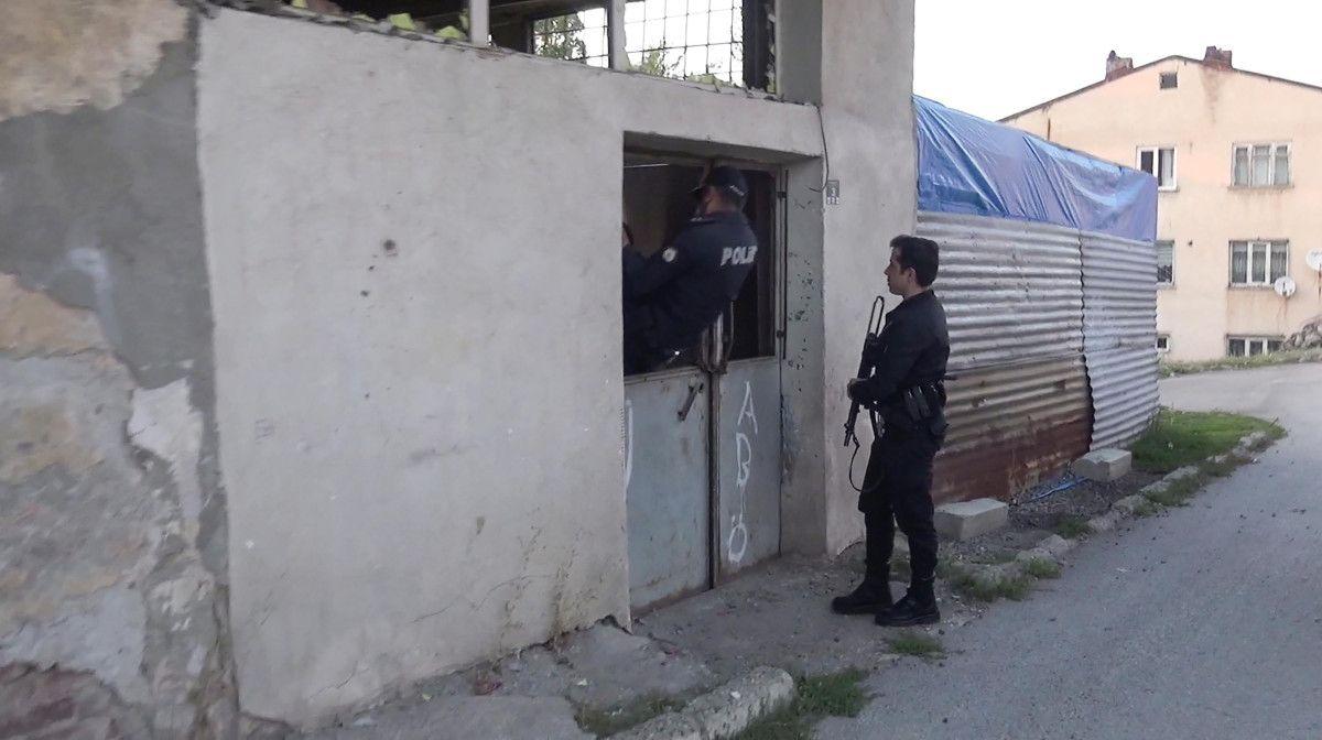 Erzurum da gözü dönen şahıs, kızını 24 bıçak darbesiyle yaraladı #7