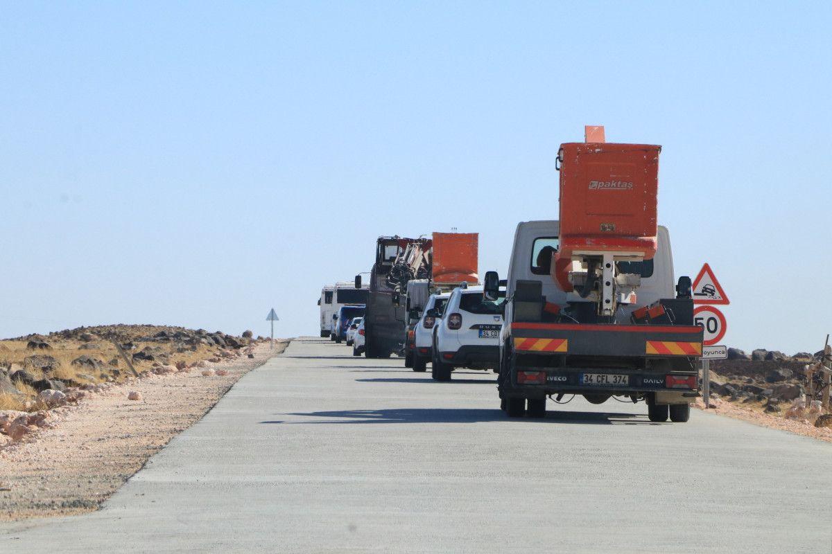 Şanlıurfa da kaçak elektrik kullananlara yapılan denetimde lastik yakıldı #12