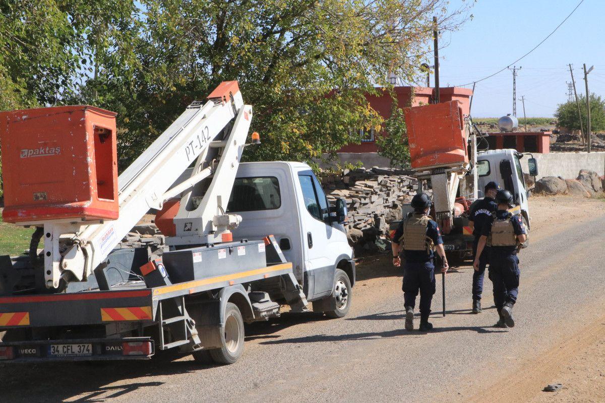 Şanlıurfa da kaçak elektrik kullananlara yapılan denetimde lastik yakıldı #14