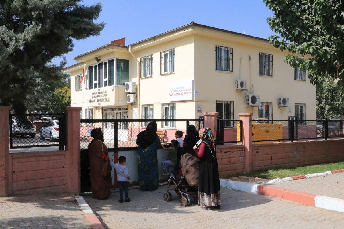 Şanlıurfa da aile hekimiyle tartışanlar, binaya saldırdı #7