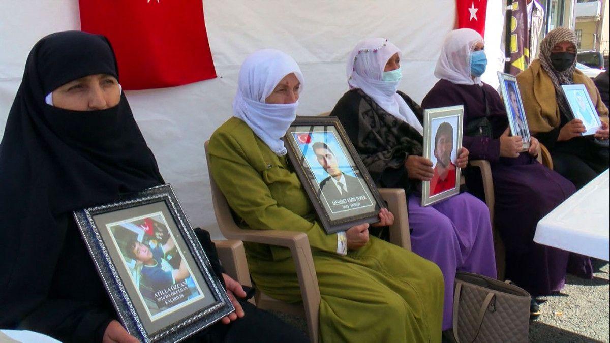 Muş ta kızı için nöbet tutan anne: Demirtaş ın cezaevinden çıkmasını istemiyorum #4