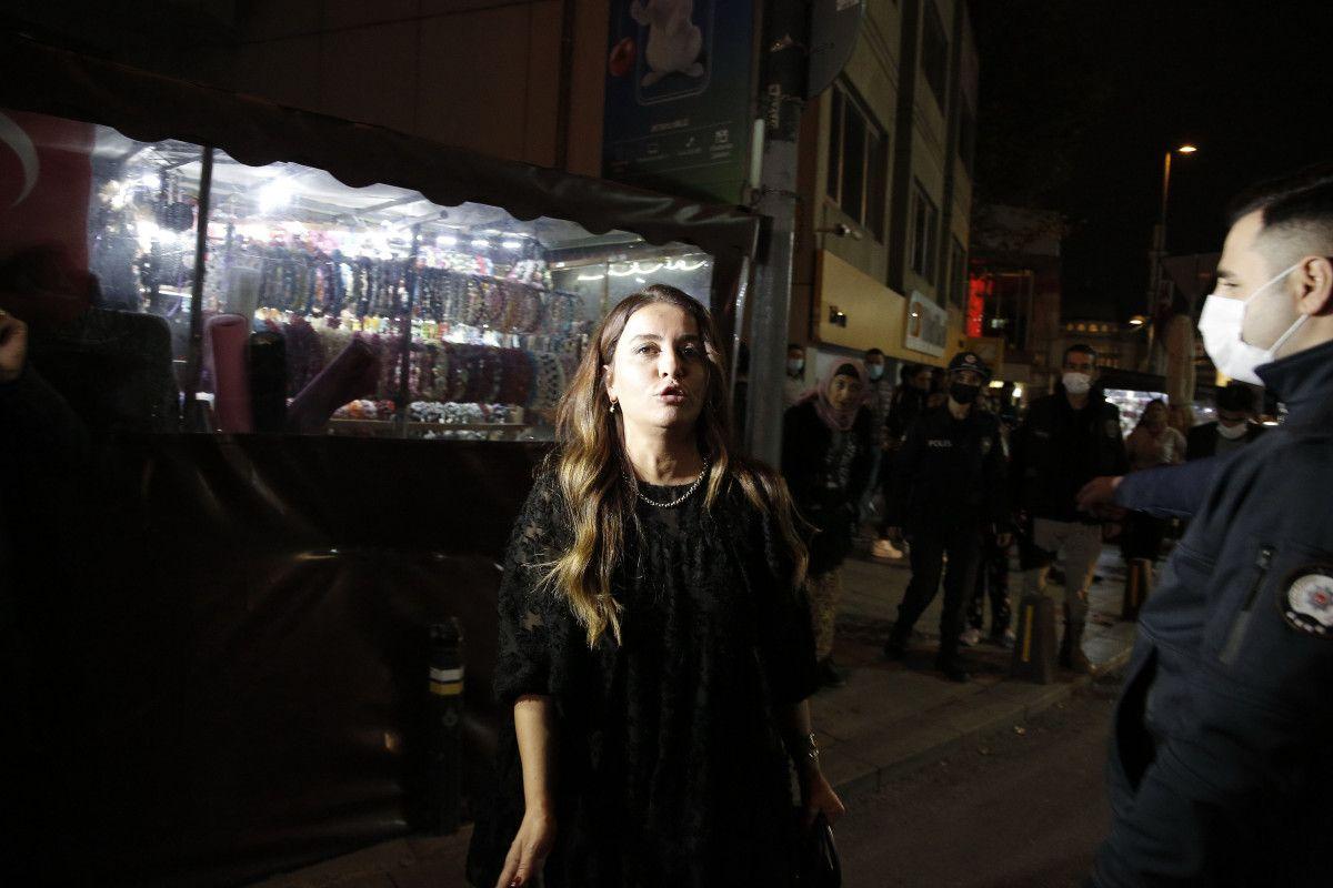 Taksim de bir kadın, polis noktasındaki taksiciye küfür etti #3