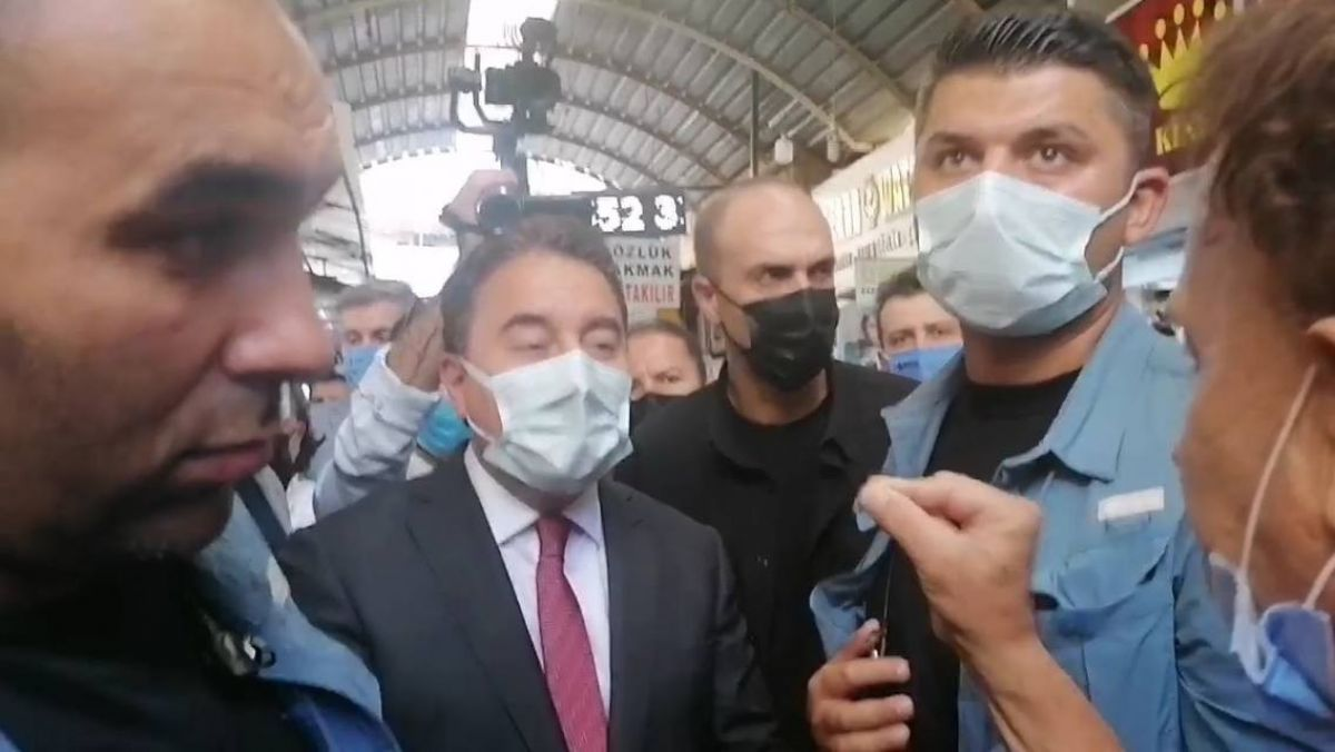 Mersin de esnaf ziyareti yapan Ali Babacan a sert tepki #2