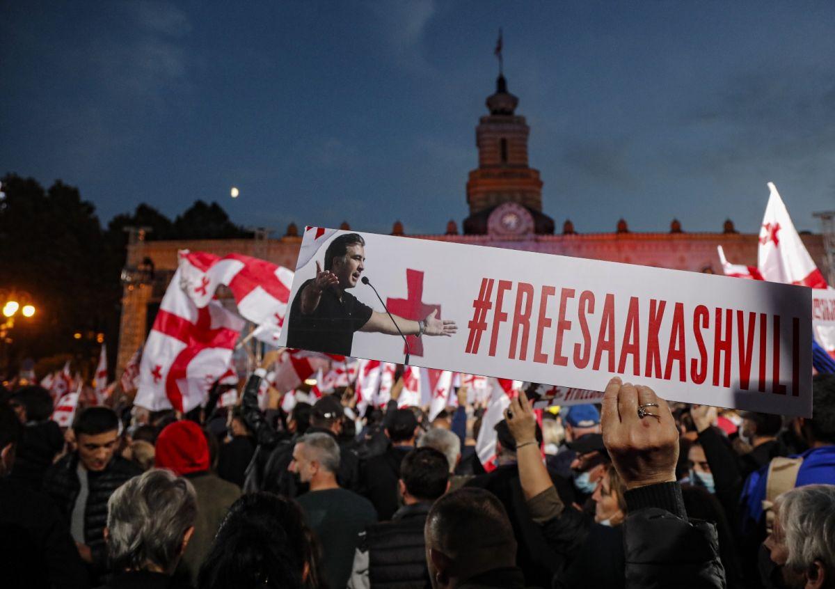 Gürcistan'da eski Cumhurbaşkanı Saakaşvili ye destek yürüyüşü #5