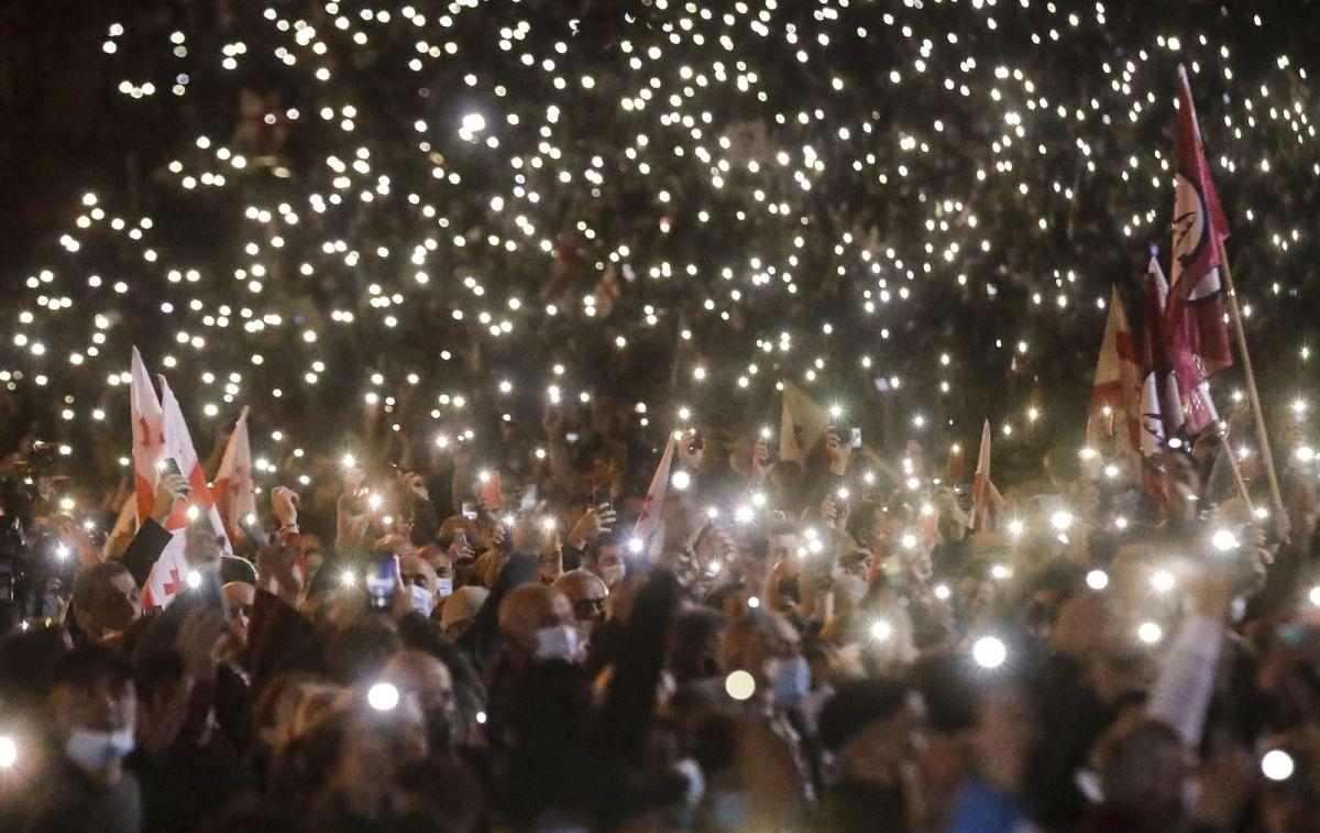 Gürcistan'da eski Cumhurbaşkanı Saakaşvili ye destek yürüyüşü #1