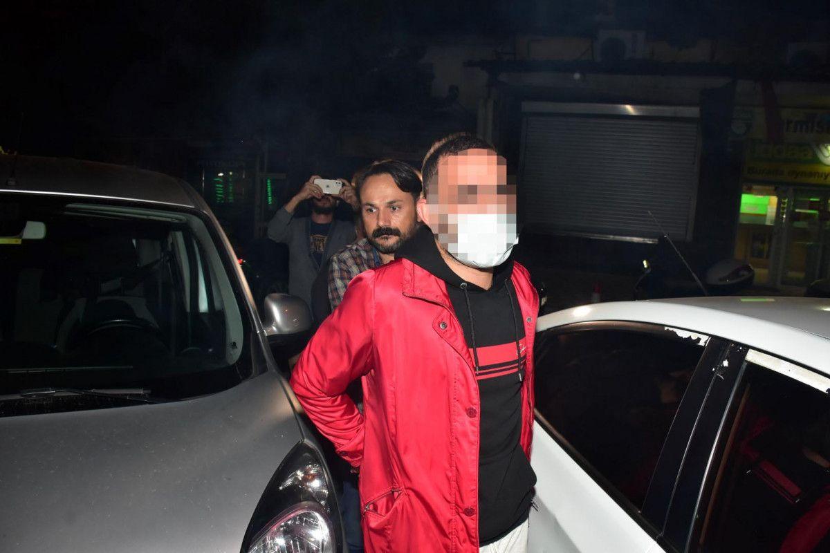 İzmir de sokakta karşılaştığı husumetlisini defalarca sırtından bıçakladı #4