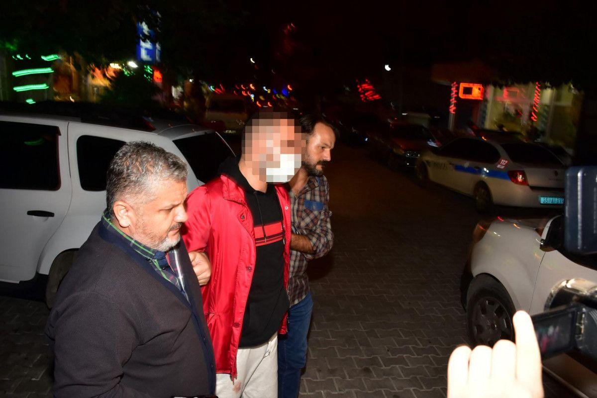 İzmir de sokakta karşılaştığı husumetlisini defalarca sırtından bıçakladı #3