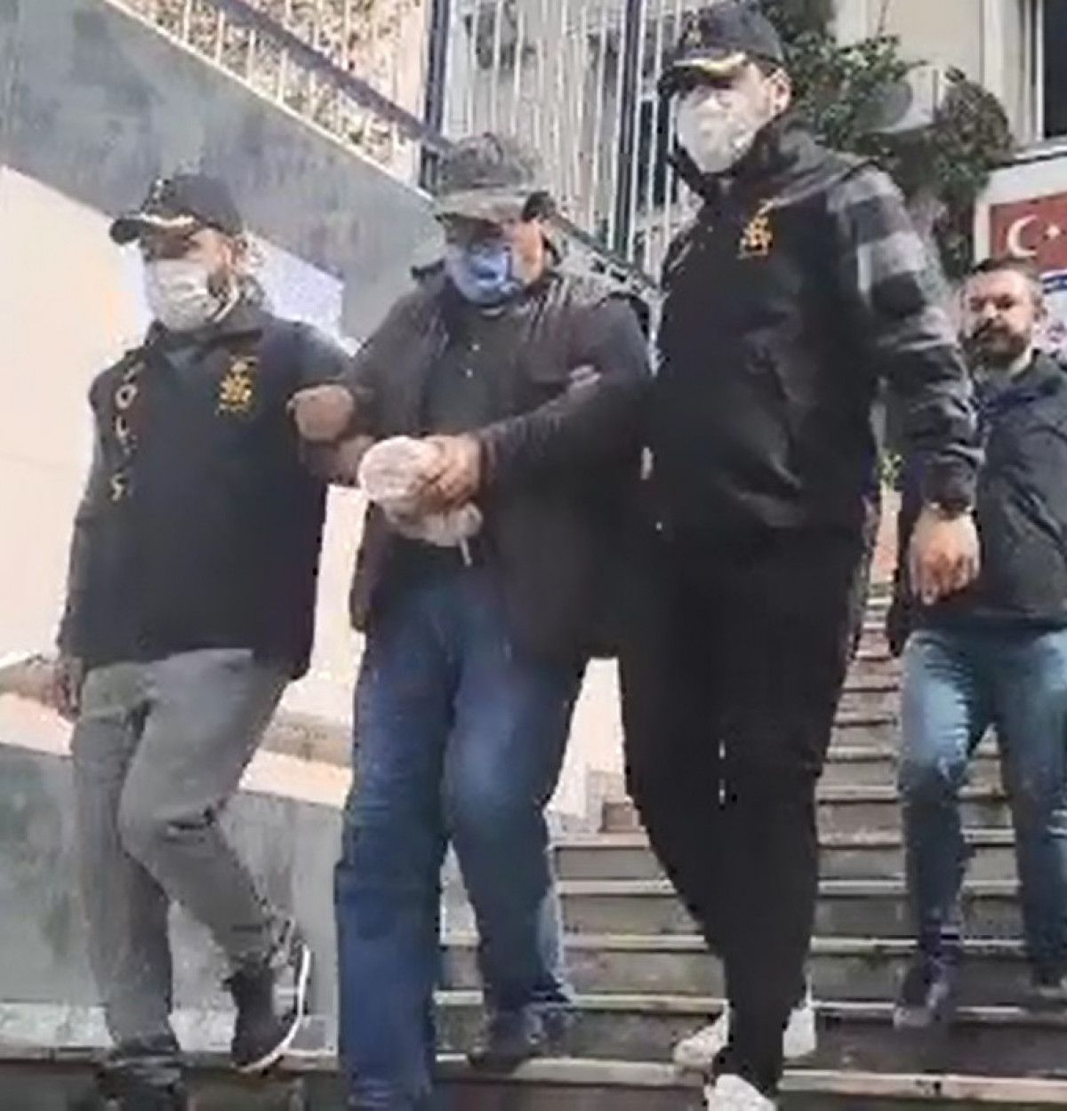 İstanbul da rögar kapağı cinayetinde 25 yıl hapis cezası alan şüpheli, yakalandı #1