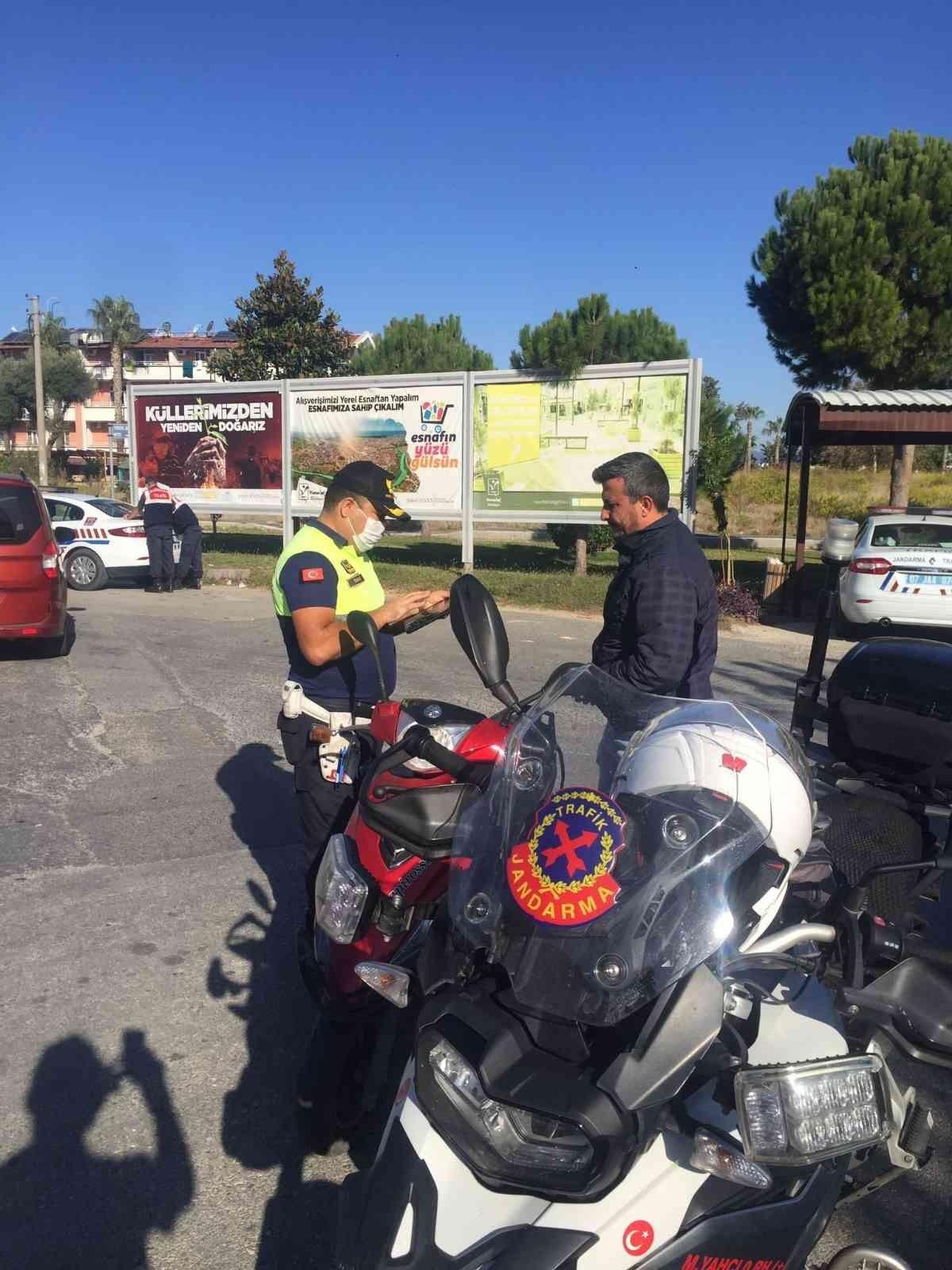 Antalya da kask takmayan 380 sürücüye 215 bin lira ceza #4