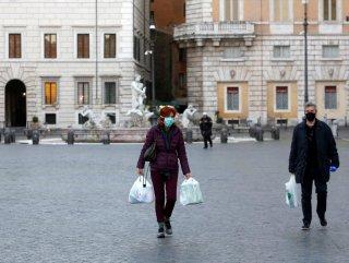 İtalya'da bugün 349 kişi daha hayatını kaybetti