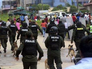 Bolivya'da eylemciler belediye başkanını hedef aldı