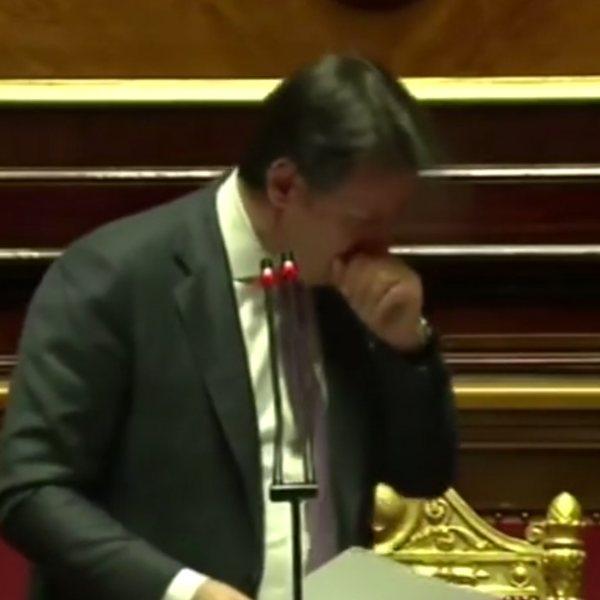 İtalya Başbakanı Conte'yi öksürük krizi tuttu
