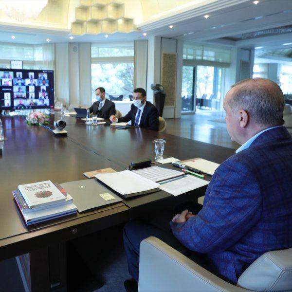 Erdoğan, 81 il teşkilatı ile bayramlaştı