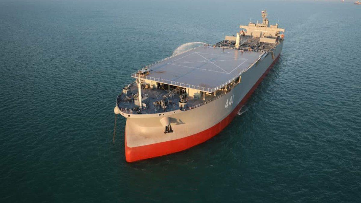 İran tarihinin en büyük savaş gemisi