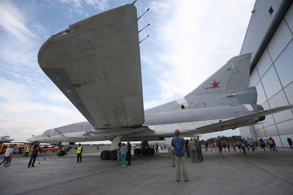 Rusya yapay zeka ile donatılan uçağı tanıttı