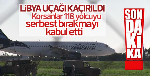Libya'ya ait yolcu uçağı kaçırıldı