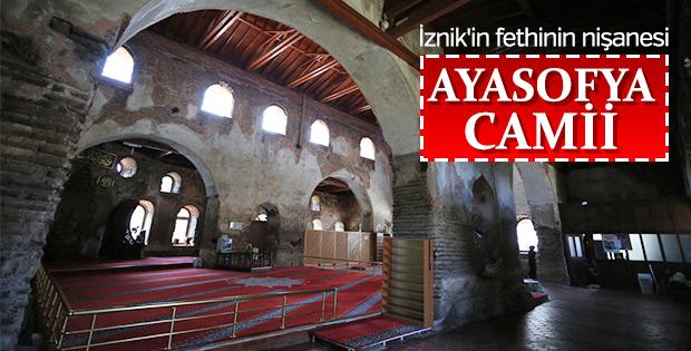 Manevi atmosferiyle büyüleyen İznik Ayasofya Camii