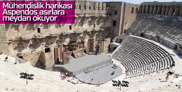 Aspendos Antik Kenti Tarihi : Buram buram tarih kokan kent aspendos