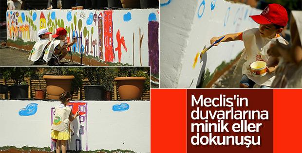 Minik ressamlar Meclis'e renk kattı