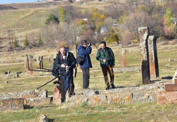 Ahlat Selçuklu Mezarlığı'na ziyaretçi akını