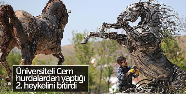 Üniversiteli Cem, Merkür'ün ardından Venüs heykeli yaptı