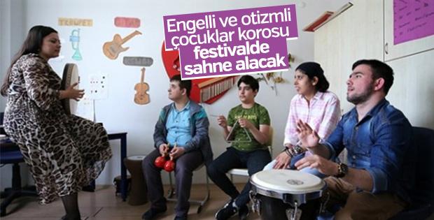 Engelli ve otizmli çocuklardan koro