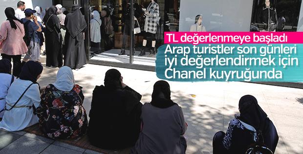Lüks markalar turistlerin akınına uğruyor