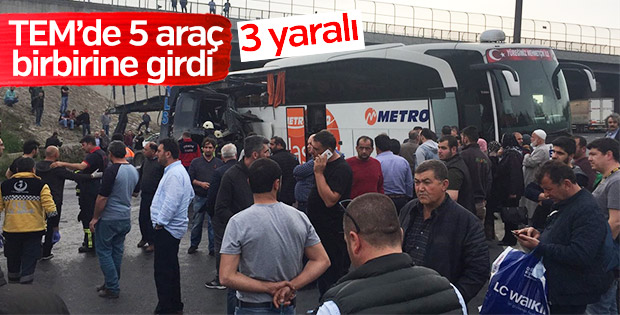 İzmit'te Gültepe mevkiinde zincirleme trafik kazası