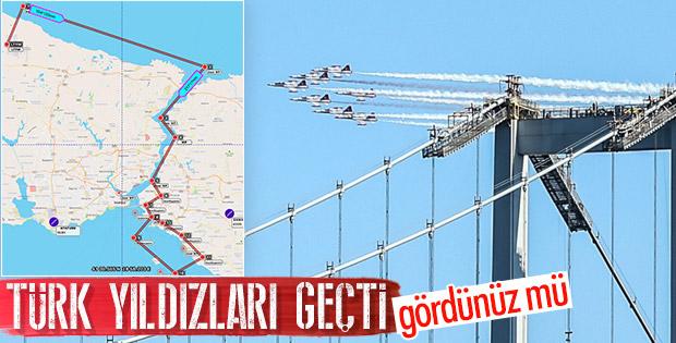 Türk Yıldızları İstanbul Boğazı'nda uçtu