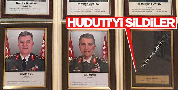 TSK, darbeci askerlerin isimlerini birliklerden siliyor