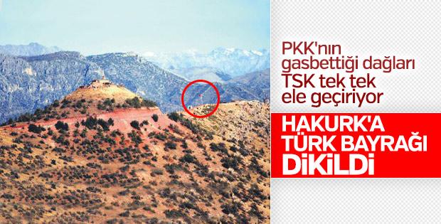 Hakurk'ta Türk bayrağı dalgalanıyor