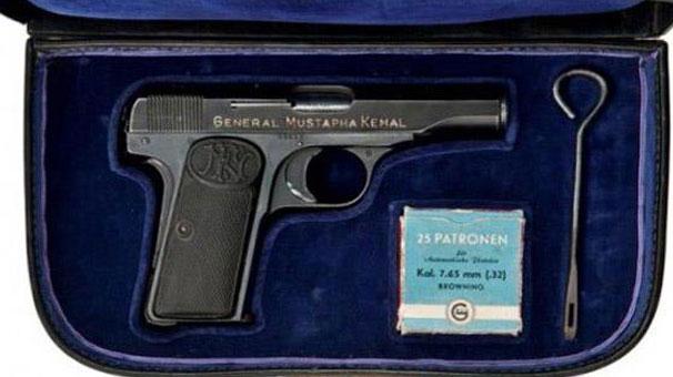 Atatürk'ün tabancası 120 bin liraya satıldı